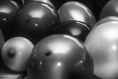 Een zwart-wit abstract patroon van ronde voorwerpen Stock Afbeelding