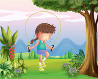 Een zwetend jong meisje die bij de heuvels spelen royalty-vrije illustratie