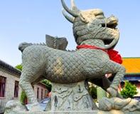 Eenhoorn die binnen zhanshan tempel snijden Royalty-vrije Stock Foto