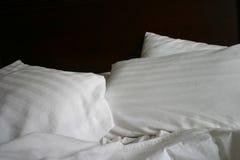 Eenvoudig Bed Stock Foto's
