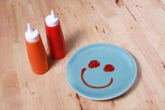 eenvoudig ontbijt met glimlachgezicht op schotel Royalty-vrije Stock Afbeelding