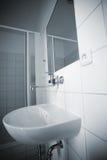 Eenvoudige badkamers Royalty-vrije Stock Afbeeldingen