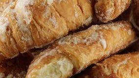 Eenvoudige Croissants stock videobeelden