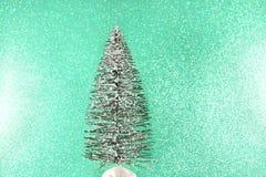 Eenvoudige de Winterscène van Kerstmisboom stock afbeeldingen