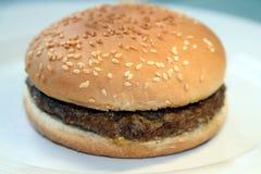 Eenvoudige hamburger Royalty-vrije Stock Afbeelding