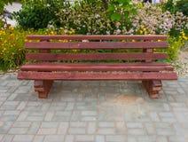 Eenvoudige houten bank Stock Afbeelding