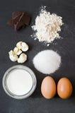 Eenvoudige ingrediënten voor cake stock afbeelding