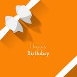 Eenvoudige kaart voor verjaardag met een Witboekboog op sinaasappel backgr Royalty-vrije Stock Foto