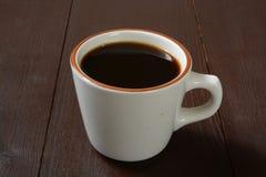 Eenvoudige kop van zwarte koffie stock foto's
