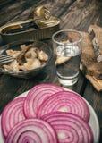 Eenvoudige, smakelijke snack en alcohol Royalty-vrije Stock Afbeeldingen