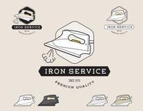 Eenvoudige vlakke zwarte en de stoomstrijkijzer schoonmakende dienst logotype Royalty-vrije Stock Afbeeldingen