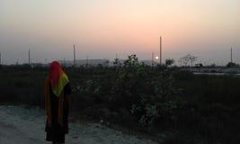 Eenzaam bij zonsondergang Stock Afbeelding
