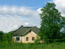 Eenzaam dorpshuis Stock Fotografie