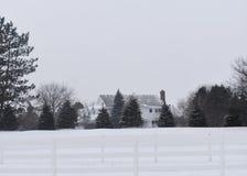 Eenzaam huis in de winter Stock Foto