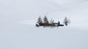 Eenzaam huis in de winter Royalty-vrije Stock Foto's