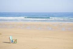 Eenzaam strand stock afbeelding