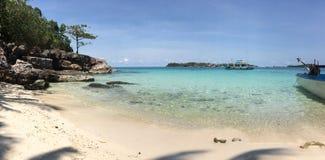Eenzaam strand op het Eiland Phu Quoc, Vietnam stock foto