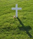 Eenzaam wit kruis Royalty-vrije Stock Afbeeldingen