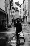 Eenzaamheid onder de regen stock foto's