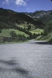 Eenzame bergweg in Bulgarije Royalty-vrije Stock Foto's