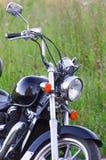Eenzame bevindende uitstekende motorfiets stock fotografie