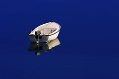 Eenzame boot Royalty-vrije Stock Foto's