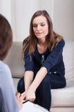 Eenzame dame bij psychotherapie Royalty-vrije Stock Fotografie