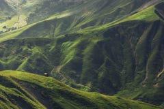 Eenzame hut in de Oostenrijkse alpen royalty-vrije stock afbeelding