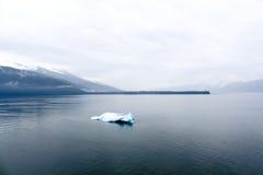 Eenzame ijsberg Stock Foto's