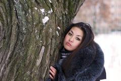 Eenzame jonge vrouw stock foto