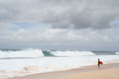 Eenzame Surfer Stock Foto's