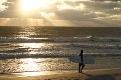 Eenzame Surfer Royalty-vrije Stock Foto