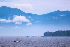 Eenzame vissersboot Stock Foto