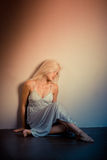 Eenzame vrouw stock afbeelding