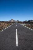 Eenzame weg in Tenerife royalty-vrije stock afbeeldingen