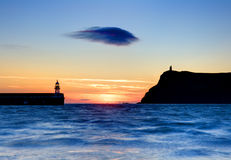 Eenzame wolk na zonsondergang Stock Afbeelding