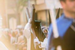 Eerbiedwaardig Brotherhood en Broederlijkheid van Penitents van Ons Lord Jesus van Nederigheid bij Zijn Arrestatie en Onze Dame stock afbeeldingen