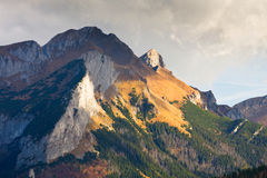 Free Eeriness Mountain Landscape Royalty Free Stock Photography - 34541467