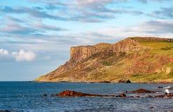 Eerlijke Hoofdklip in Noord-Ierland, het UK Stock Afbeelding