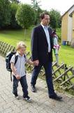 Eerste dag op basisschool Stock Foto's