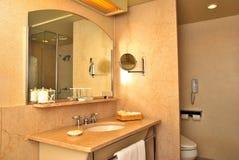 Eersteklas badkamers stock afbeeldingen