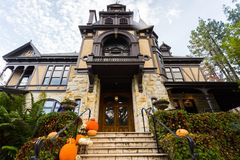 Halloween in Napa Valley, California, United States. Eery house with Halloween decoration in Autumn. Napa Valley, California, United States Royalty Free Stock Photos