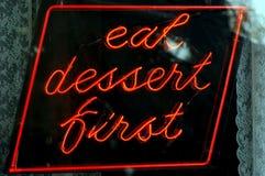Eet dessert eerste Royalty-vrije Stock Foto's