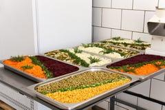 Eetkamer in armiyu Wat om militair te eten Echte foto van het leger, over het leven van militairen Militair voedsel Lunch een mil Royalty-vrije Stock Foto