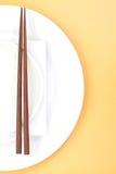 Eetstokjes in Aziatische vastgestelde lijst royalty-vrije stock afbeelding