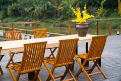 Eettafel en stoel Royalty-vrije Stock Fotografie