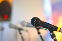 Efectúe el micrófono Fotos de archivo