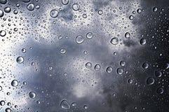 Efecto del acero del fondo de la gotita de agua Fotos de archivo