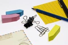 Efectos de escritorio de la oficina y de la escuela Imagen de archivo libre de regalías