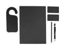 Efectos de escritorio en blanco en el fondo blanco Consista en las tarjetas de visita, fotos de archivo